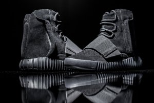 adidas-yeezy-boost-750-black-61