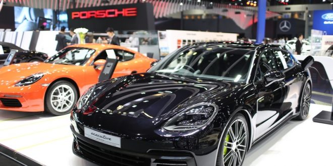 Porsche เปิดตัวรถยนต์หรู 3 รุ่นใหม่ ครั้งแรกในงาน Motor Expo 2017