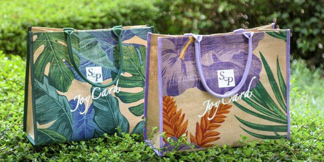 สมัครสมาชิก S&P Joy Card ใน Mobile App พร้อมเติมเงิน 500 บาท รับฟรี! กระเป๋าผ้ารักษ์โลก                      และรับคะแนนเพิ่ม 10 คะแนน เมื่อนำถุงผ้ามาซื้อสินค้าแทนการรับถุงพลาสติก