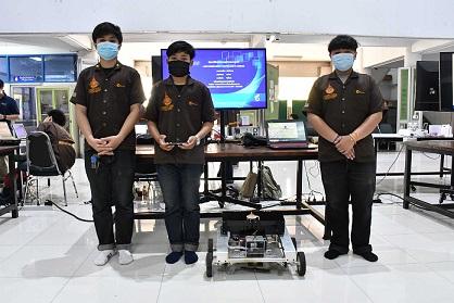 นศ.มทร.ธัญบุรี หุ่นยนต์ตัดหญ้าควบคุมผ่านมือถือ